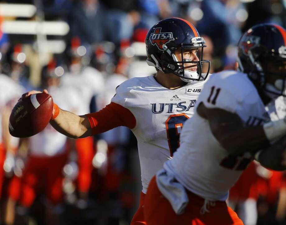 UTSA quarterback Eric Soza throws against Tulsa during the second half of an NCAA college football game at Chapman Stadium, Saturday, Nov. 2, 2013, in Tulsa, Okla. UTSA won 34-15. Photo: Tom Gilbert, Tulsa World