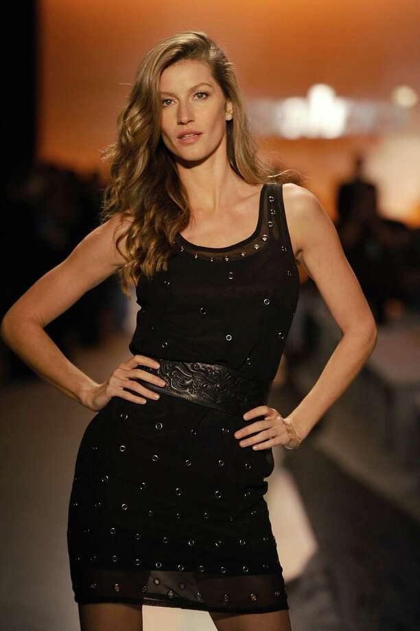 Gisele Bundchen rehearses on the runway during Colcci show at Sao Paulo Fashion Week Winter 2014 on October 31, 2013 in Sao Paulo, Brazil. Photo: Fernanda Calfat, Getty Images / 2013 Fernanda Calfat