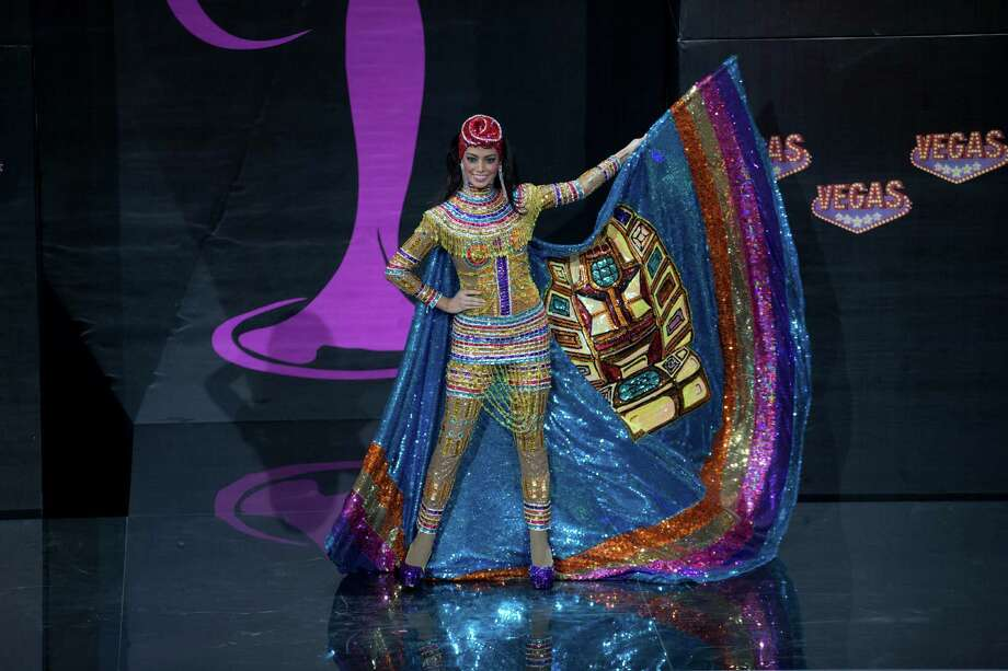 Miss Bolivia Alexia Viruez presents her outfit, during the national costume show at the 2013 Miss Universe pageant in Moscow, Russia, on Sunday, Nov. 3, 2013. Photo: Pavel Golovkin, Associated Press / AP