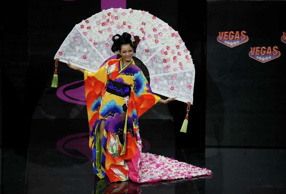 Miss Miss Japan Yukimi Matsuo presents her outfit, during the national costume show at the 2013 Miss Universe pageant in Moscow, Russia, on Sunday, Nov. 3, 2013. Photo: Pavel Golovkin, Associated Press / AP
