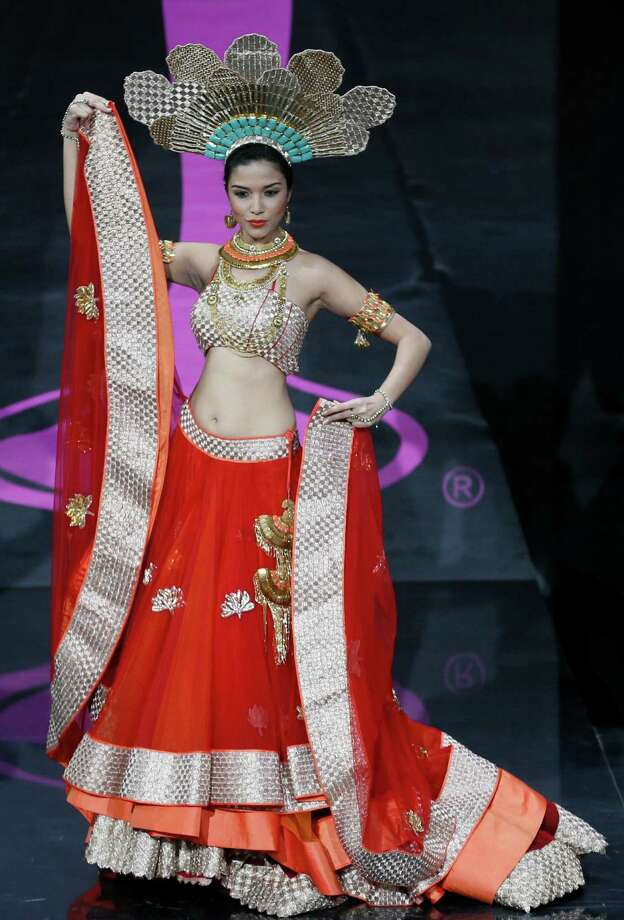 Miss India Manasi Moghe presents her outfit, during the national costume show at the 2013 Miss Universe pageant in Moscow, Russia, on Sunday, Nov. 3, 2013. Photo: Pavel Golovkin, Associated Press / AP