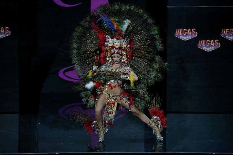 Miss Nicaragua Nastassja Bolivar presents her outfit, during the national costume show at the 2013 Miss Universe pageant in Moscow, Russia, on Sunday, Nov. 3, 2013. Photo: Pavel Golovkin, Associated Press / AP