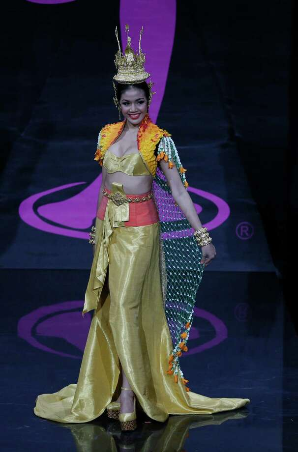 Miss Thailand Chalita Yaemwannang presents her outfit, during the national costume show at the 2013 Miss Universe pageant in Moscow, Russia, on Sunday, Nov. 3, 2013. Photo: Pavel Golovkin, Associated Press / AP