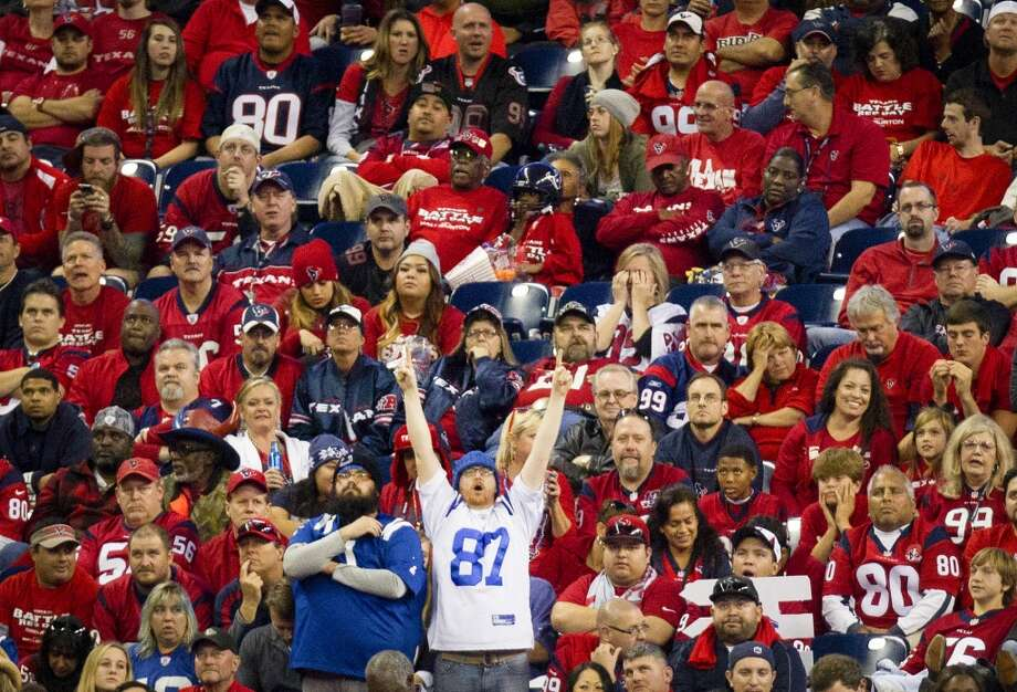 Colts fans react during the second half comeback. Photo: Cody Duty, Houston Chronicle