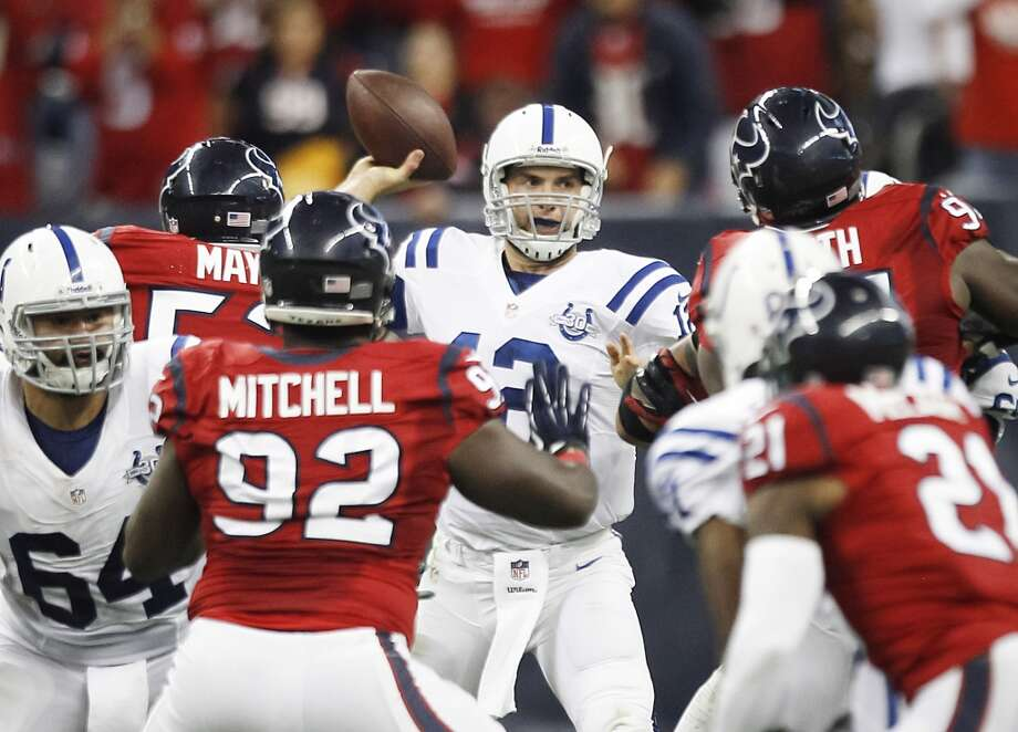 Colts quarterback Andrew Luck throws a pass during the second quarter. Photo: Brett Coomer, Houston Chronicle