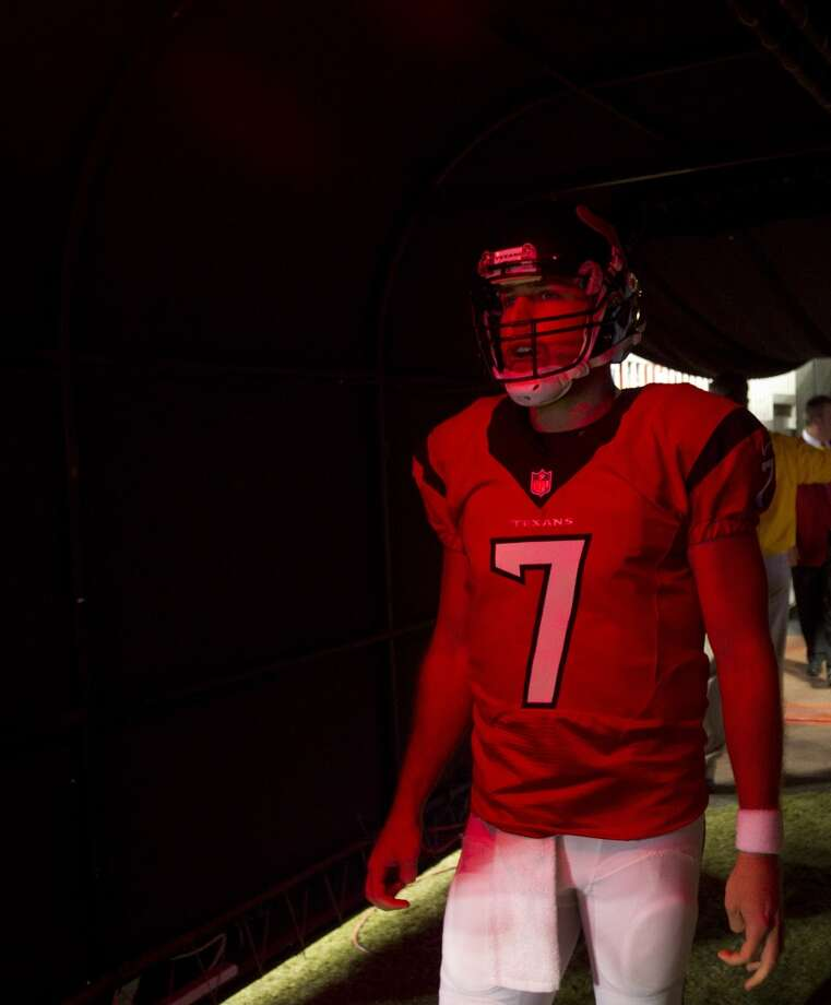 Texans quarterback Case Keenum waits in the tunnel to be announce before facing the Indianapolis Colts. Photo: Houston Chronicle