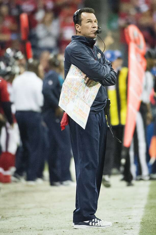 Texans head coach Gary Kubiak watches from the sidelines during the first half. Photo: Smiley N. Pool, Houston Chronicle