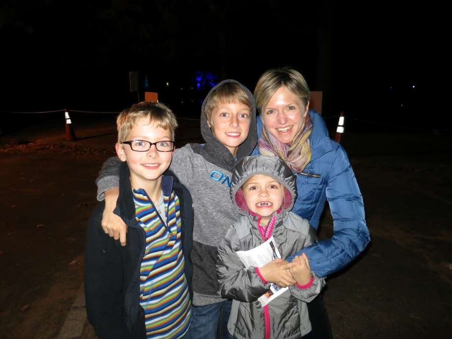 Joanna understands busy Moms. Here she is with her three kids