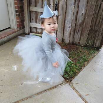 My daughter, Sophia is the Tin Man from the Wizard of Oz. I made her the Tin Man costume for Halloween. This was her first year trick-or-treating.