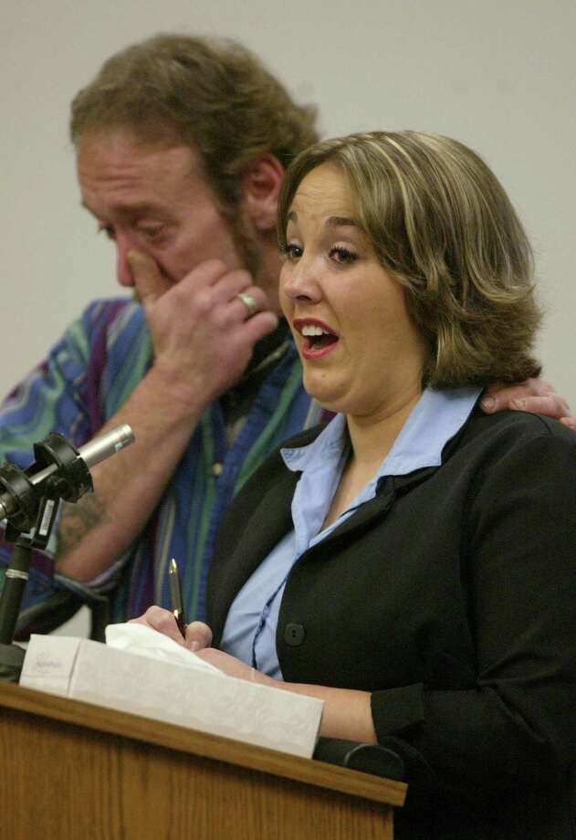 Sarah King, sister of Green River Killer victim Carol Christensen, speaks at the sentencing of Gary Ridgway in King County Washington Superior Court on Dec. 18, 2003 in Seattle. Photo: Pool, / / 2003 Getty Images