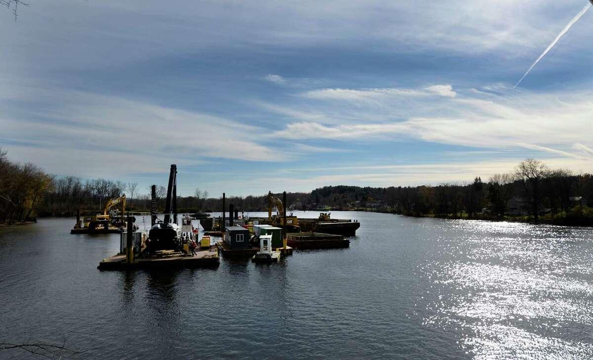 Dredging crews continue to work on the Hudson River Nov. 4, 2013, in Schuylerville, N.Y. (Skip Dickstein/Times Union