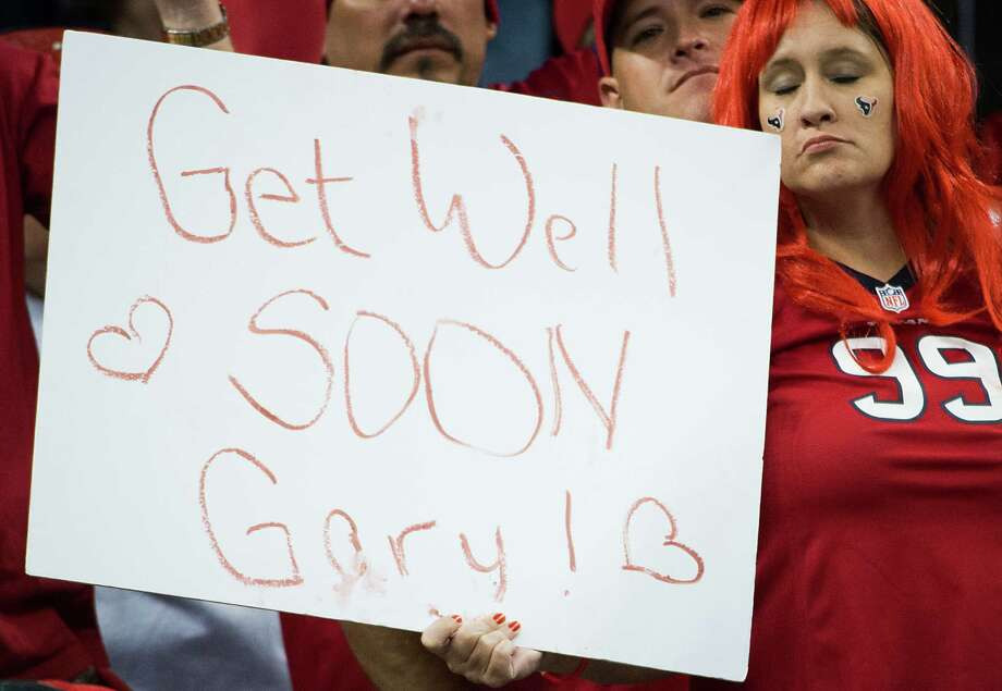 It didn't take long for Texans fans to show their support for coach Gary Kubiak after he collapsed during halftime of Sunday night's loss to the Colts at Reliant Stadium. Photo: Smiley N. Pool, Staff / © 2013  Houston Chronicle