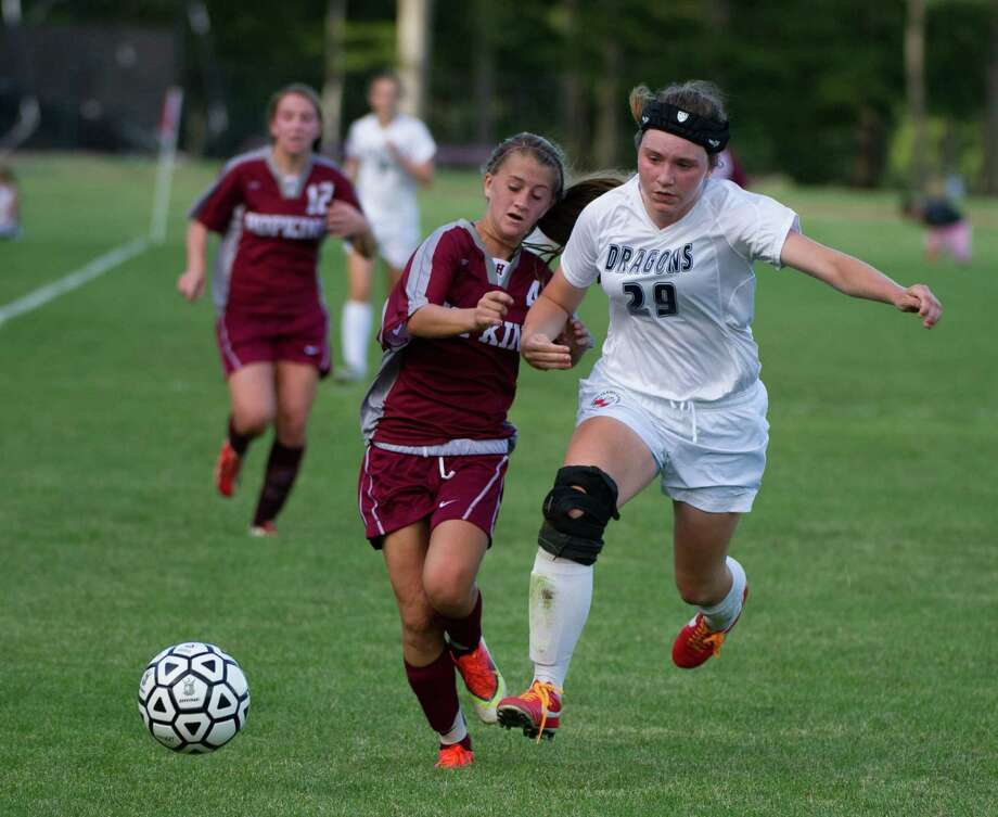 Greens Farms Academy sophomore defender Erin Reilly (29) had a strong performance in the Dragons' 2-2 tie against The Gunnery last weekend. Photo: Contributed Photo / Westport News