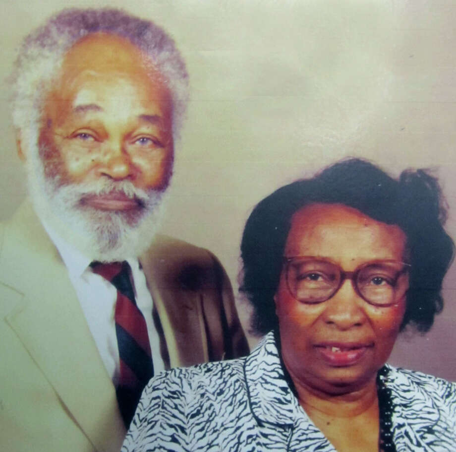 Lula A. Mills, 98, of St. Louis, Mo., died Aug. 24, 2013. She had been predeceased by two months by her husband of 69 years, Lawrence A. Mills, also 98. Photo: Contributed Photo / The News-Times Contributed