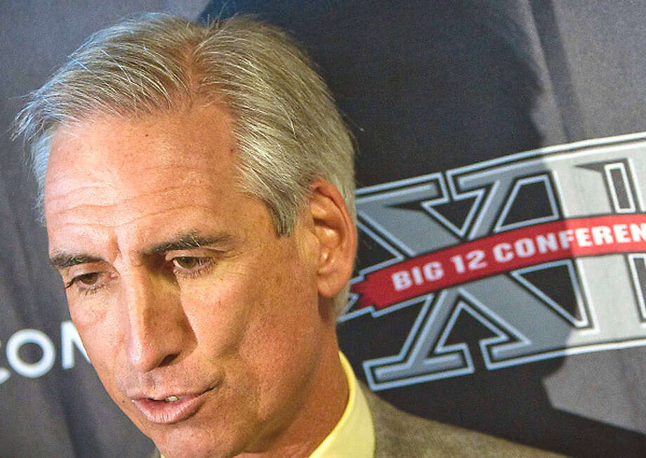 Oliver Luck appears to be in a two-man race to succeed UT AD DeLoss Dodds. / AP2011