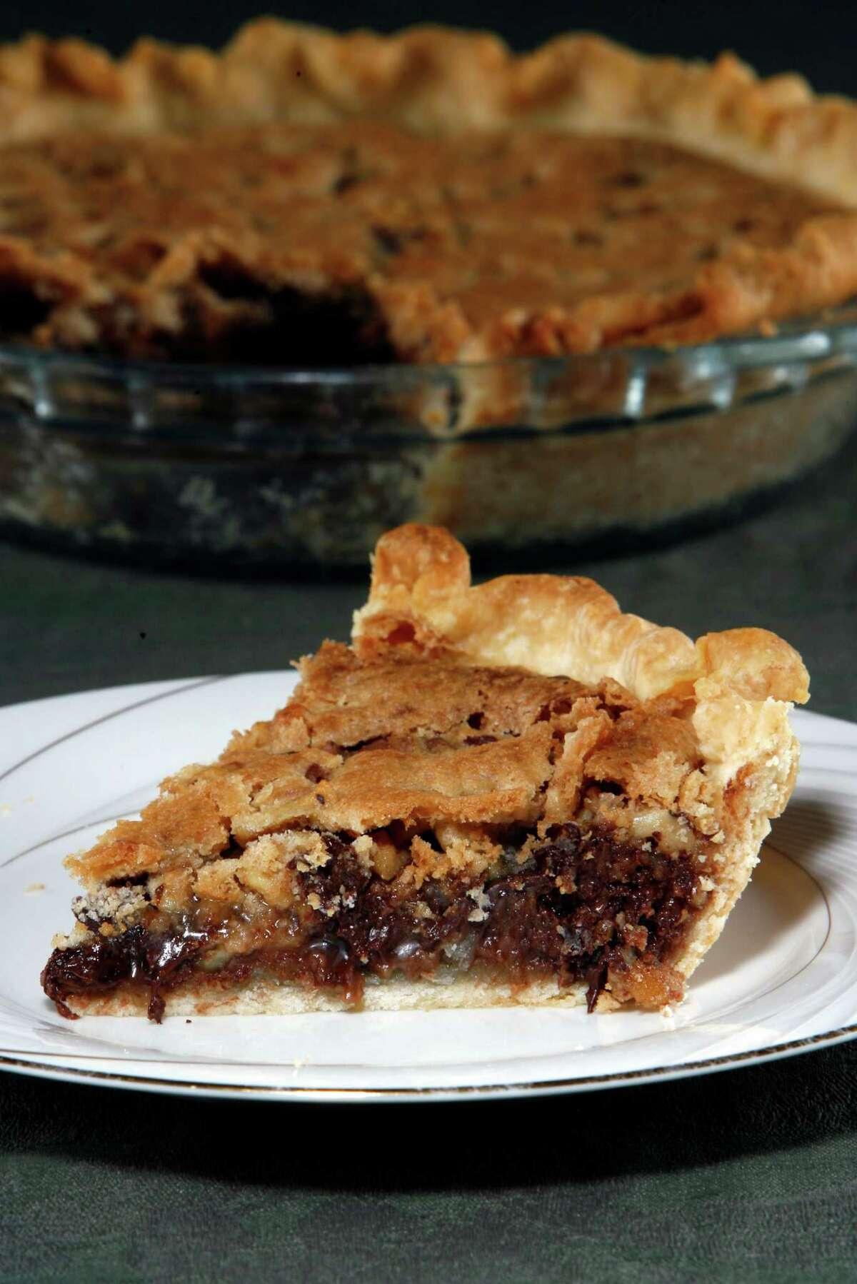 Kitchen to kitchen, Derby Pie. Thursday, Aug. 21, 2008. ( Johnny Hanson / Chronicle )