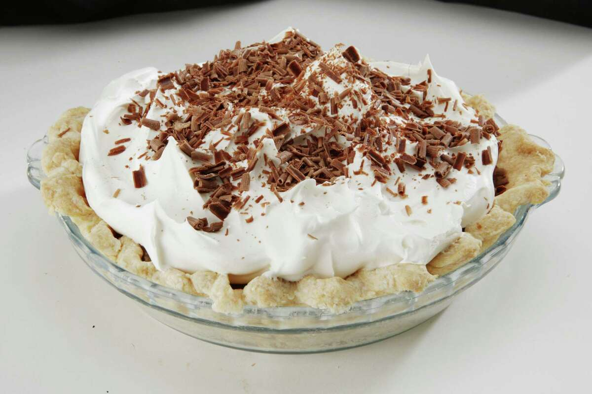 Shot of Favorite recipe Chocolate Pie. Shoot whole pie for dropout. Keep cool and return for tasting (AC Studios for the Chronicle) HOUCHRON CAPTION (11/03/2004) SECFLAVOR COLOR: CREAMY CHOCOLATE PIE: A reader wanted a