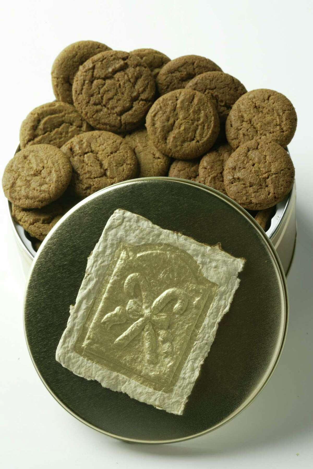 Gingersnaps such as these, shown in this Thursday, Oct. 28, 2004, photo, will benefit the Center Serving Persons with Mental Retardation will be for sale at the 2004 Nutcracker Market. (Photo by Brett Coomer/Houston Chronicle) COOKIES. HOUCHRON CAPTION (11/10/2004) SECFLAVOR COLOR: THE SCOOP WHAT: Willow River Farms gingersnaps and cheesesnaps.