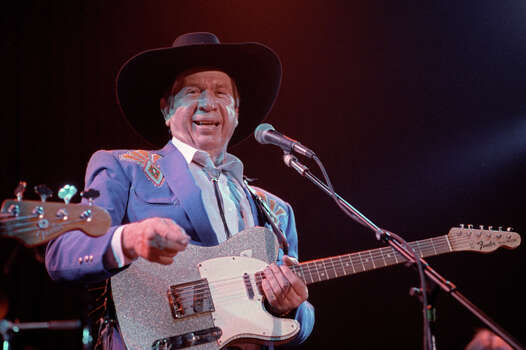 Singer Buck Owens Photo: Clayton Call, Redferns / 1989 Clayton Call