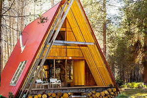 If you're looking for an awesome cabin getaway, look no further - Photo