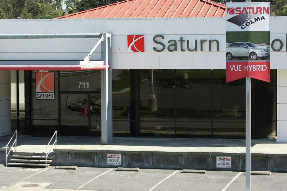 "Saturn, the ""different kind of car company,"" began in 1985 as a subsidiary of General Motors. GM discontinued Saturn after Penske Automotive withdrew a bid to acquire it and halted production of the car in 2010. Saturn cars are known as easy to steal. Photo: Justin Sullivan, Getty / 2009 Getty Images"