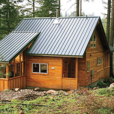37 ideal cabin getaways sfgate for Small wooden house design