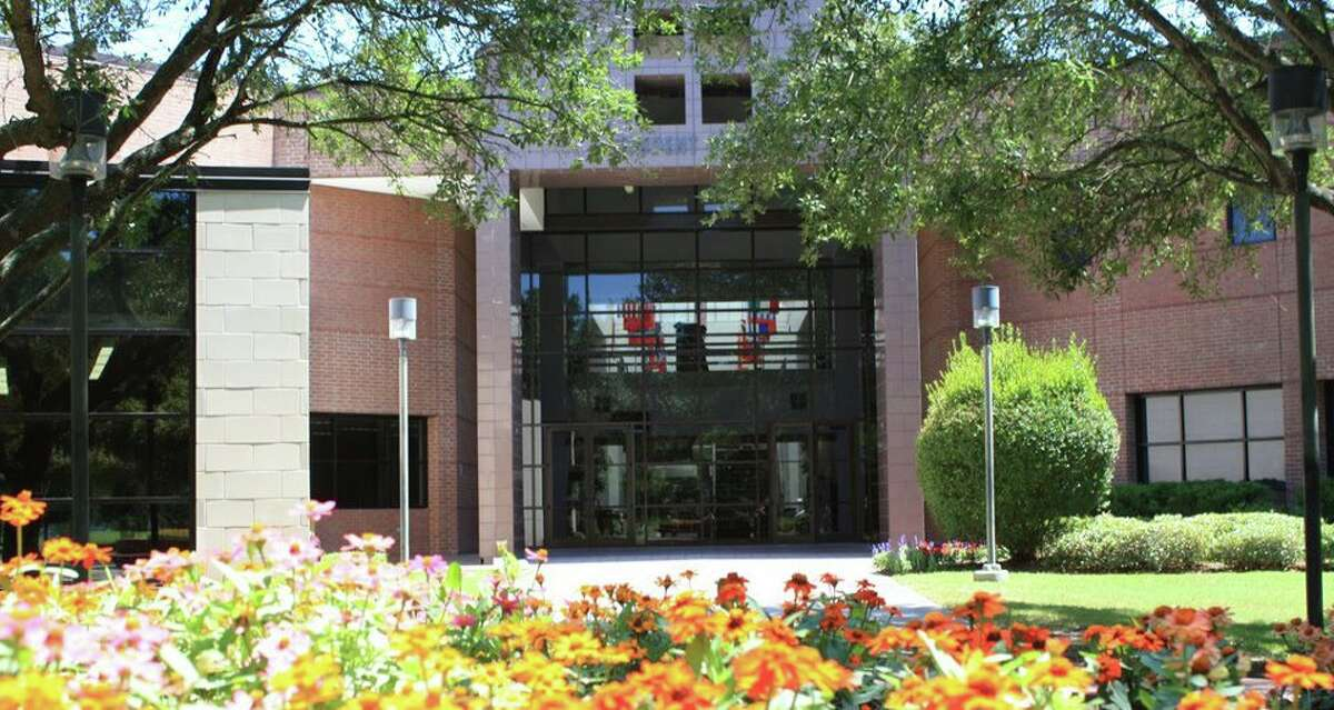 The Lone Star College-Tomball Community Library is hosting a free Workforce Solutions seminar.