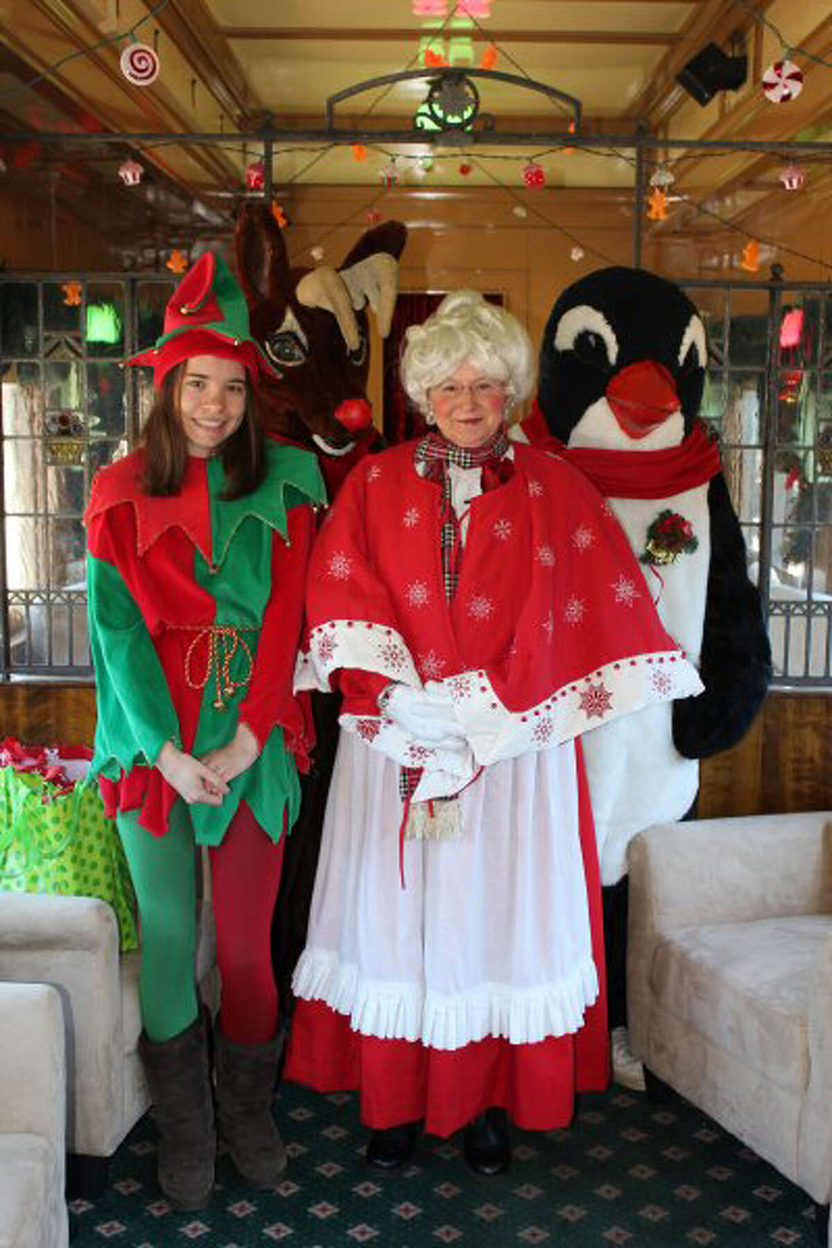 Board the locomotive-powered sleigh for a magical nighttime journey to the North Pole at the Essex Steam Train & Riverboat's North Pole Express, which runs until it arrives to the station onDecember 23.Find out more.