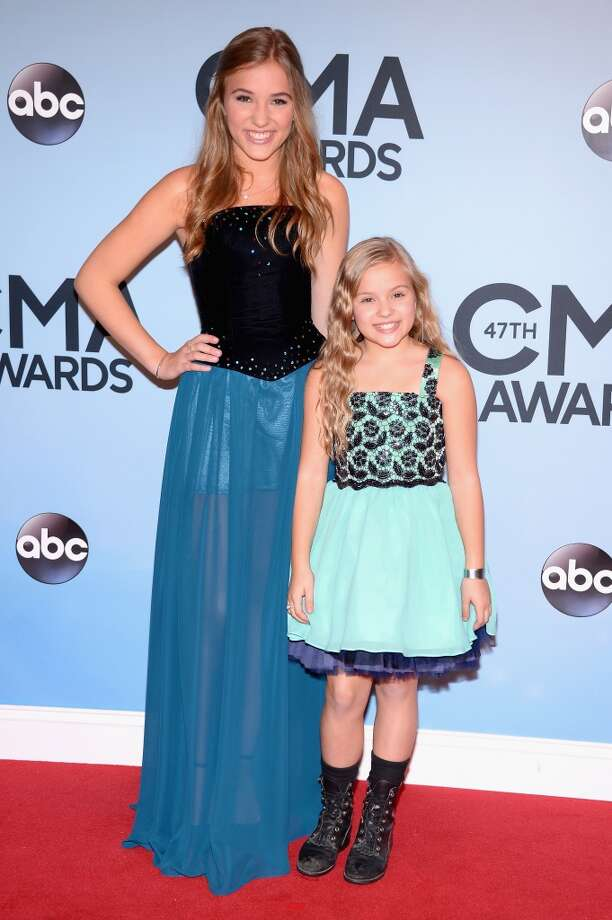Actresses Lennon Stella and Maisy Stella attend the 47th annual CMA Awards at the Bridgestone Arena on November 6, 2013 in Nashville, Tennessee. Photo: Michael Loccisano, Getty Images
