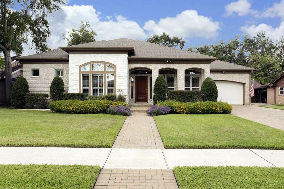 8002 Beverlyhill  |  MLS 88084945 Nano Cox  |  Greenwood King Properties- Kirby  |  713-524-0888 Photo: Greenwood King Properties