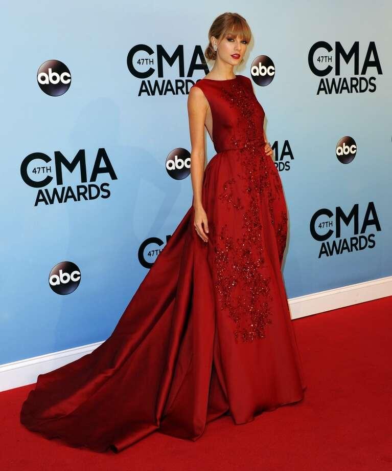 Musician Taylor Swift attends the 47th annual CMA Awards at the Bridgestone Arena on November 6, 2013 in Nashville, Tennessee. Photo: Jon Kopaloff, FilmMagic