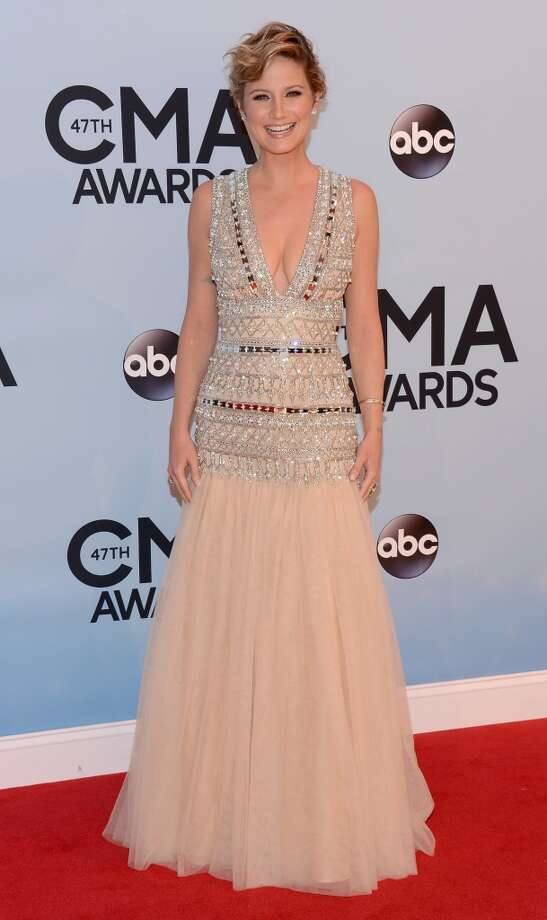 Jennifer Nettles attends the 47th annual CMA Awards at the Bridgestone Arena on November 6, 2013 in Nashville, Tennessee. Photo: Larry Busacca, WireImage