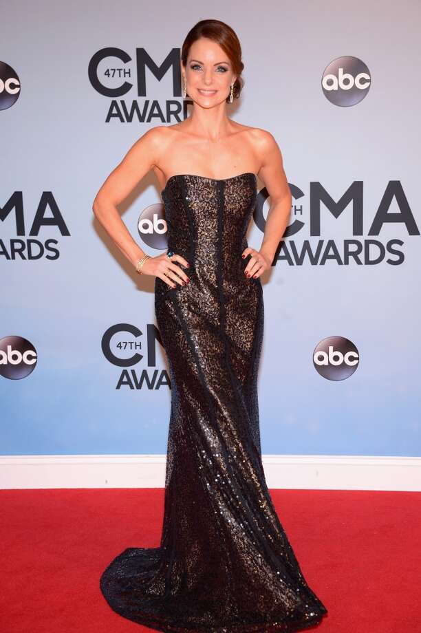Actress Kimberly Williams-Paisley attends the 47th annual CMA Awards at the Bridgestone Arena on November 6, 2013 in Nashville, Tennessee. Photo: Michael Loccisano, Getty Images