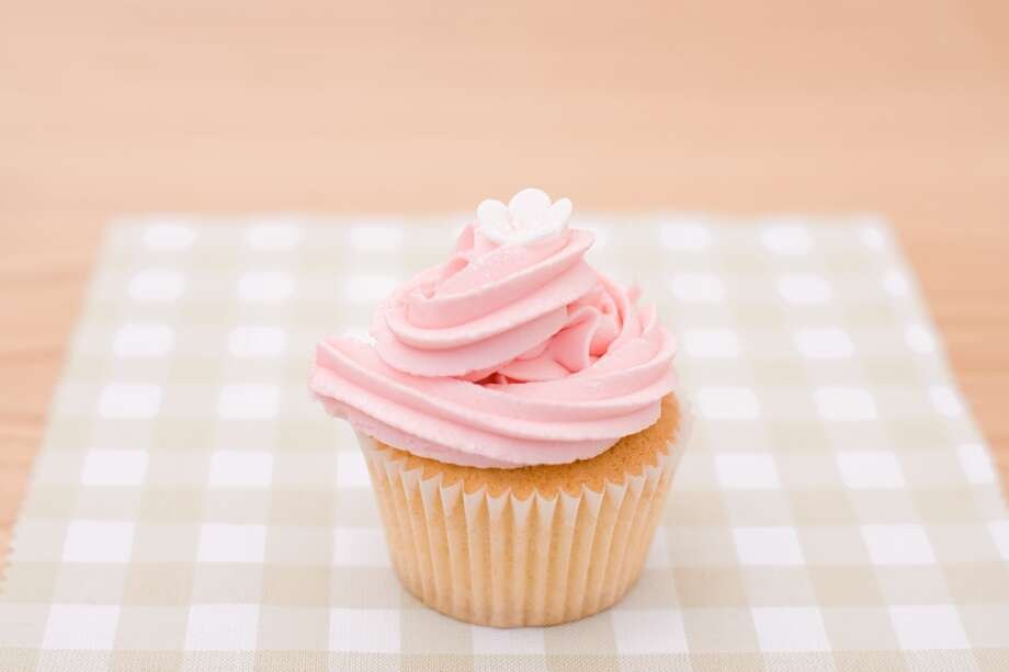 FrostingMany brands of frosting still contain trans fats, including several Betty Crocker varieties. Photo: Image Source, Getty Images/Image Source