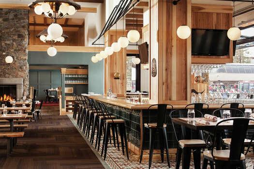 Peak season 8 ski hot ski spots this winter houston for Four seasons jackson hole restaurant