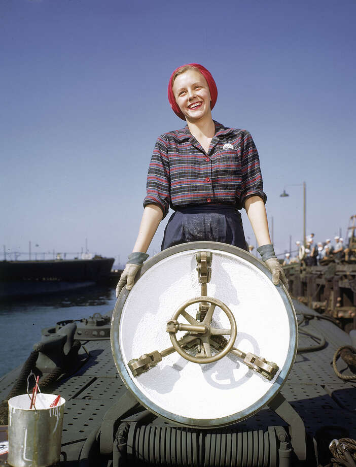 A worker at Electric Boat Co. in New London, Conn. in 1943. Photo: Bernard Hoffman, Time & Life Pictures/Getty Image / Time & Life Pictures