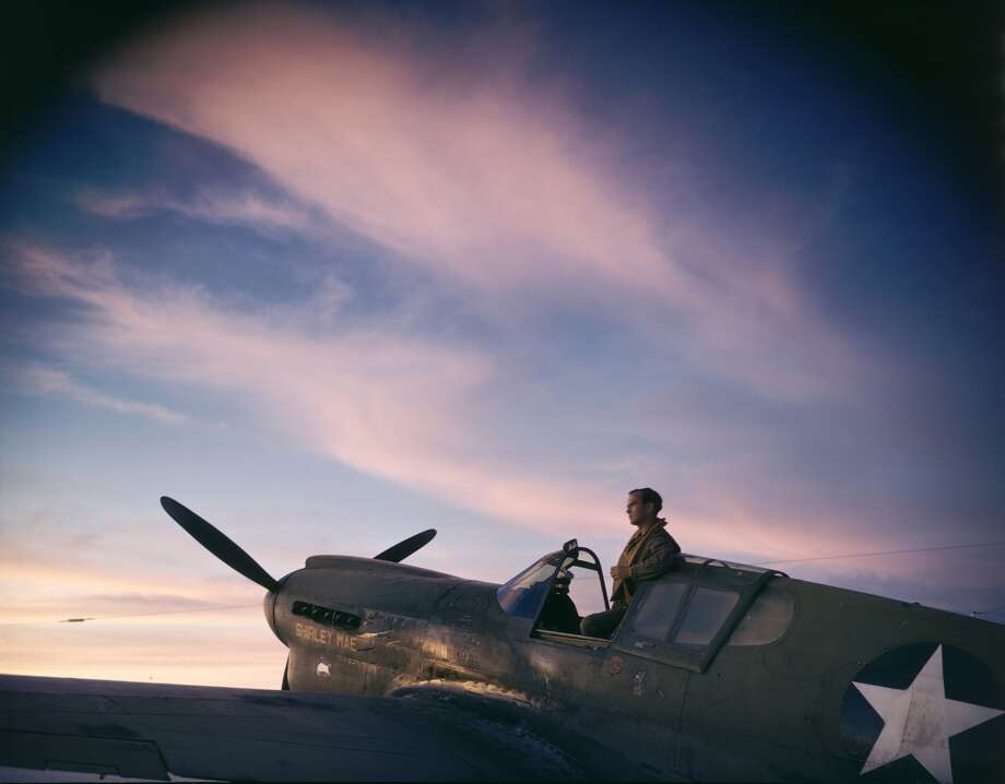 Nope, it's not Instagram, it's Kodachrome.Take a look at these rare color World War II-era photos from Life magazine:Above: An unidentified US pilot stands up in the cockpit of his plane on the tarmac on Midway Naval Base, Midway Islands, 1942.