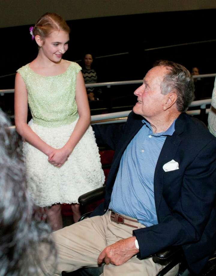 Sophie Nélisse and President George H.W. Bush Photo: John R Lewis Photography / 2013© John Lewis Photography