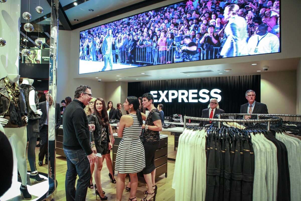 Guests Mingle at the EXPRES Union Square Grand Opening celebration