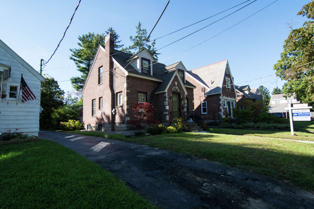 House of the Week: 1485 Lexington Ave., Schenectady | Realtor: Bryan Roesch at Miranda Real Estate Group | Discuss: Talk about this house