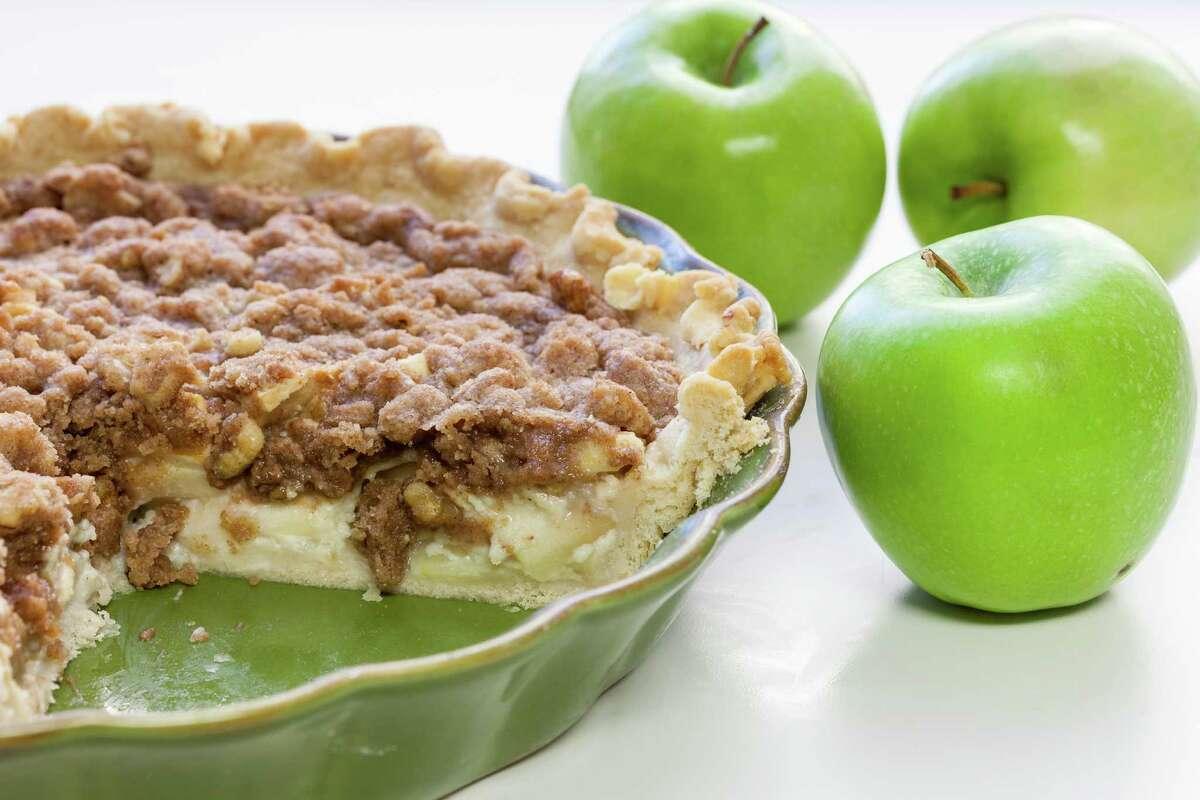 Sourcream apple pie, Tuesday, Oct. 30, 2012, in Houston. ( Michael Paulsen / Houston Chronicle )
