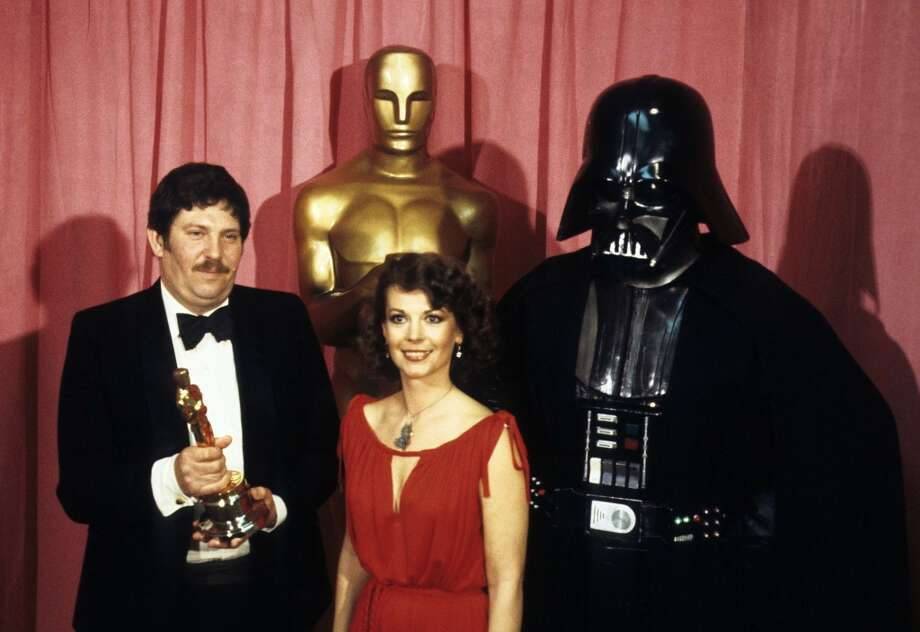 THE 50TH ANNUAL ACADEMY AWARDS - Show Coverage - Shoot Date: April 3, 1978. (Photo by ABC Photo Archives/ABC via Getty Images) JOHN MOLLO;NATALIE WOOD;DARTH VADER Photo: ABC Photo Archives/Getty Images