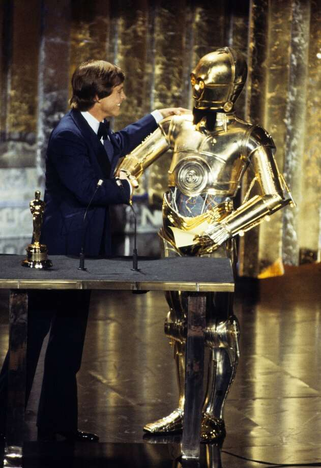 THE 50TH ANNUAL ACADEMY AWARDS - Show Coverage - Shoot Date: April 3, 1978. (Photo by ABC Photo Archives/ABC via Getty Images) MARK HAMILL;C-3PO Photo: ABC Photo Archives/Getty Images