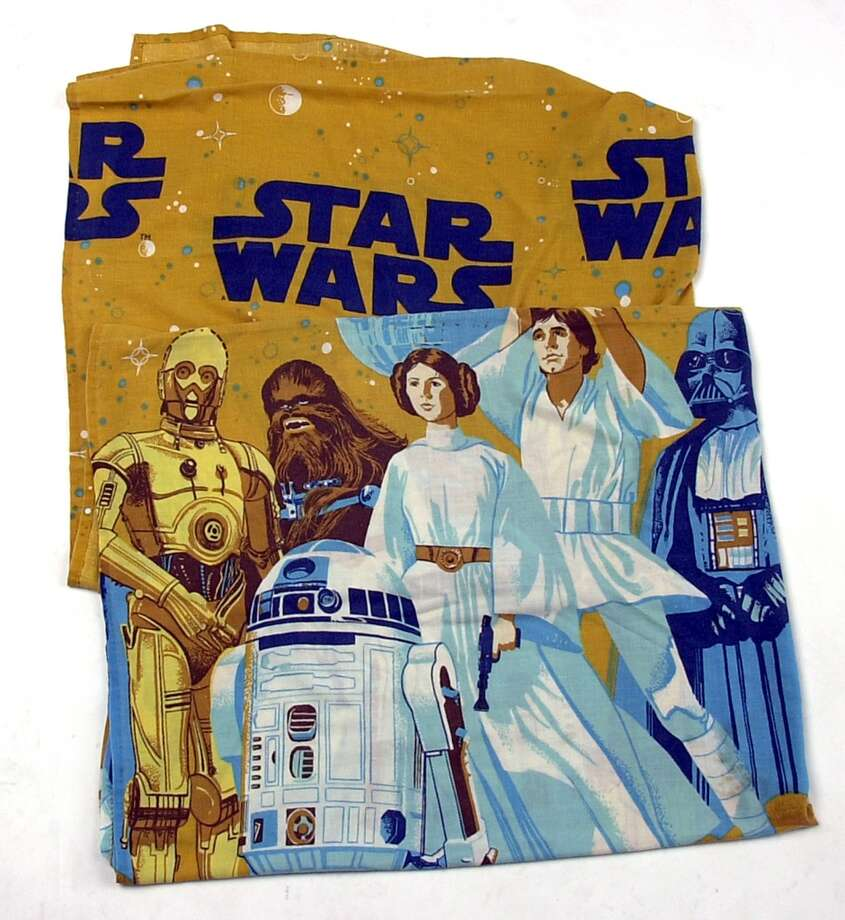 Vintage Star Wars twin bed sheet sold on Ebay. 7/23/03.    PHOTO BY JUANITO GARZA / STAFF Photo: SAN ANTONIO EXPRESS-NEWS