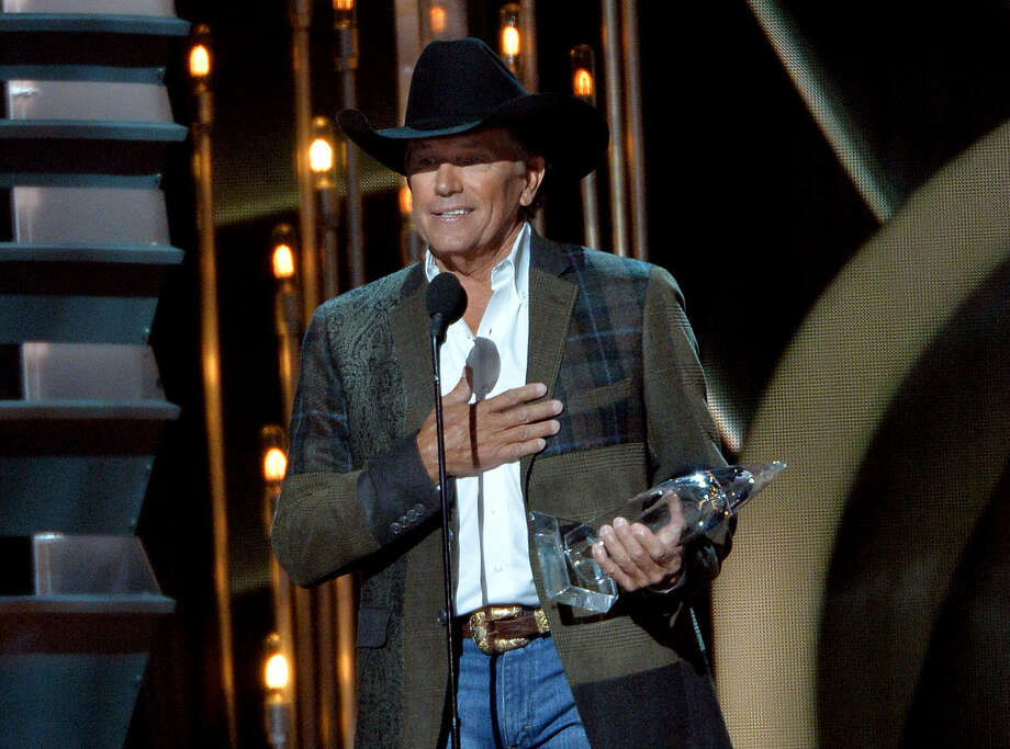 San Antonio's George Strait speaks to the audience at the Country Music Awards. Photo: Rick Diamond / Getty Images
