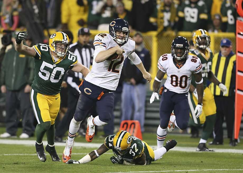 Former Raiders QB Josh McCown passed for 272 yards and ran for 20 in the Bears' Monday night win over the Packers. Photo: Nuccio DiNuzzo, McClatchy-Tribune News Service