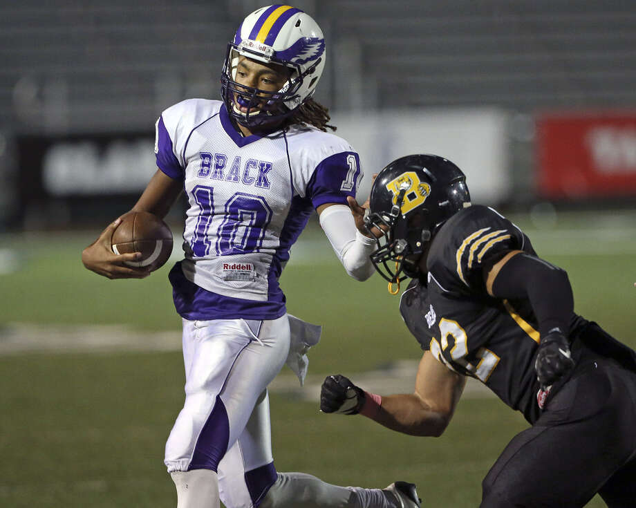 Brackenridge QB Ramon Richards (left), shown against Brennan last month, will sit out this week with a concussion. Photo: Tom Reel / Express-News