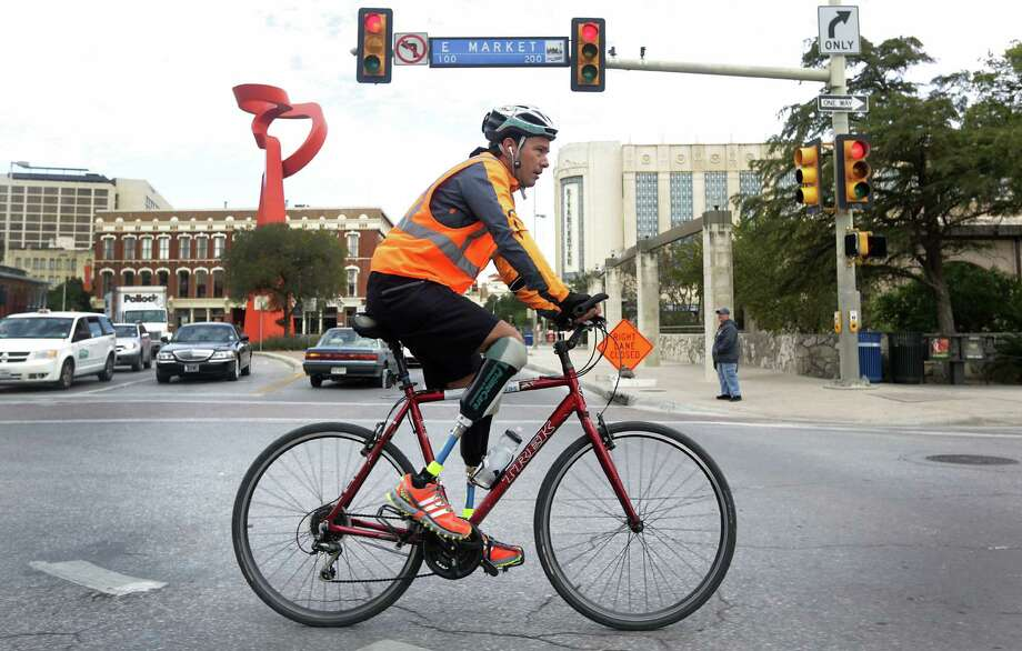 Gutierrez, whose feet were cut off by members of a drug cartel, is riding to raise awareness about corruption in Mexico. Photo: San Antonio Express-News, Bob Owen