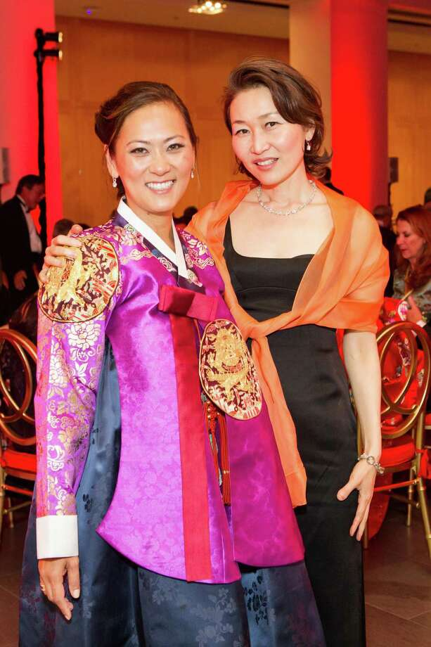 Elizabeth Fullerton and Helene Kim at the Asian Art Museum's opening night gala for In Grand Style: Celebrations in Korean Art during the Joseon Dynasty on October 24, 2013. Photo: Claudine Gossett For Drew Altizer, Drew Altizer Photography / DREW ALTIZER PHOTOGRAPHY