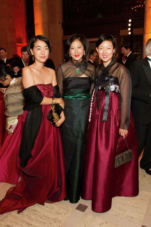 Jamie Chen, Gorretti Lui and Jane Kim at the Asian Art Museum's opening night gala for In Grand Style: Celebrations in Korean Art during the Joseon Dynasty on October 24, 2013. Photo: Claudine Gossett For Drew Altizer, Drew Altizer Photography / DREW ALTIZER PHOTOGRAPHY